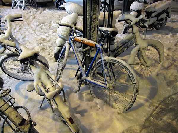 20091217snowbike