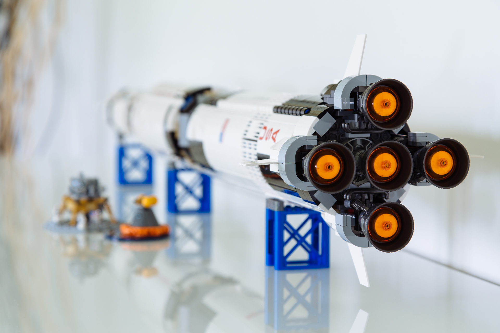 20170611_LEGO_SaturnV-3