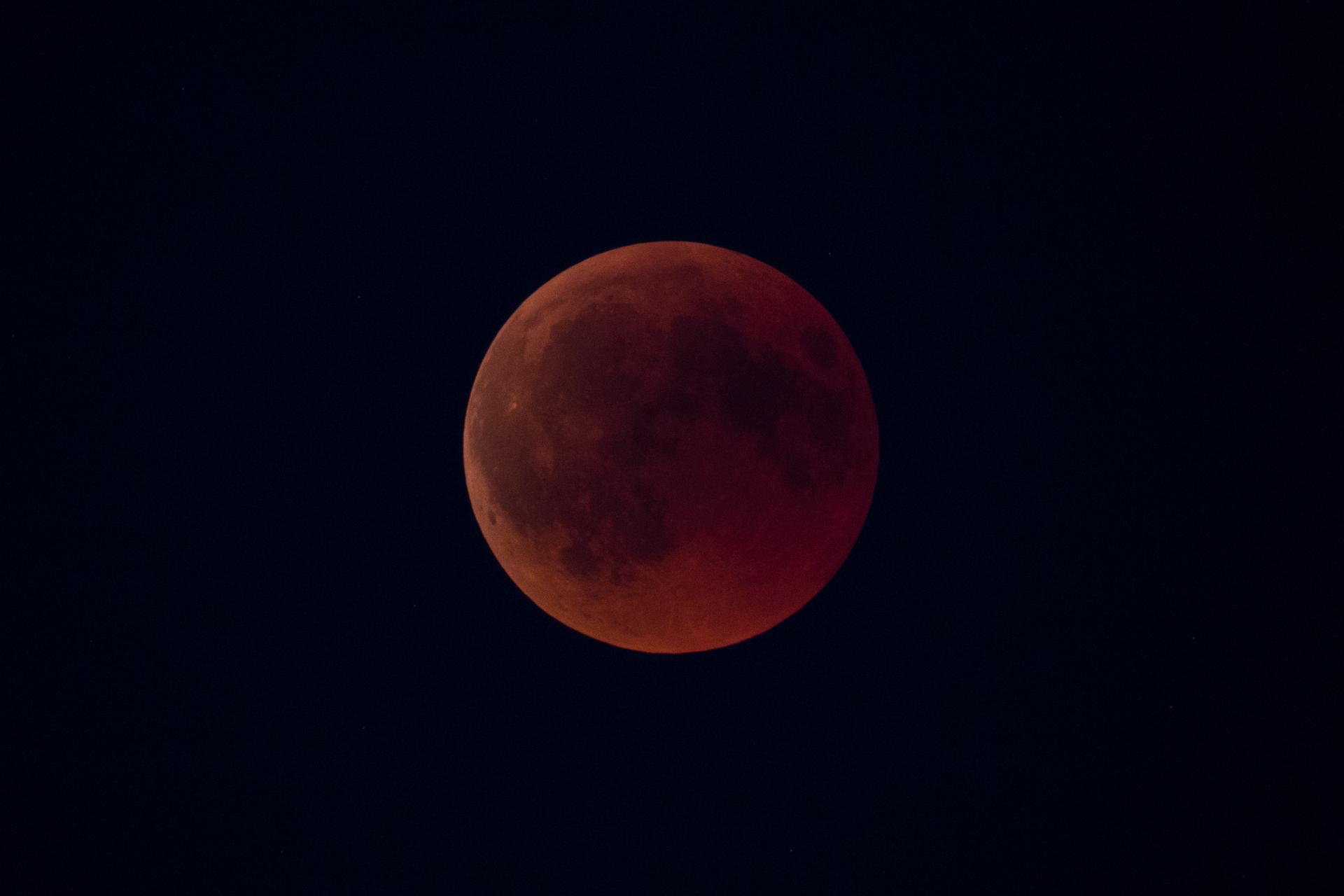 20180727_LunarEclipse-2
